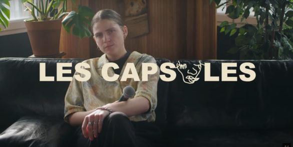 Claire Faravarjoo – Les Capsules