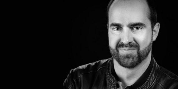 portrait-Joël-@-Nils-Bronner-carré-768×432